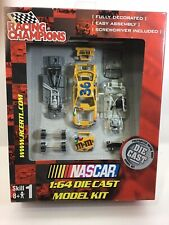 Racing Champions 1:64 Die Cast Model Kit 2001 #36 M&Ms  E19