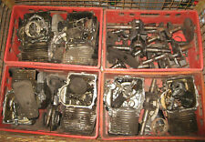1Gitterbox voller B&S Motoren Teile
