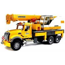Bruder Mack Granite Liebherr Kran-LKW gelb 02818 Baustellenfahrzeug Baustelle