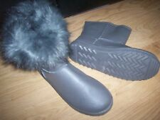 Ladies grey boots size 41 EU NEW Flat ankle high fur trimmed edge