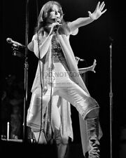 ANNI-FRID LYNGSTAD SWEDISH ABBA CO-LEAD SINGER - 8X10 PUBLICITY PHOTO (DA873)