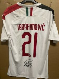 Signed Zlatan Ibrahimovic AC Milan shirt with Coa