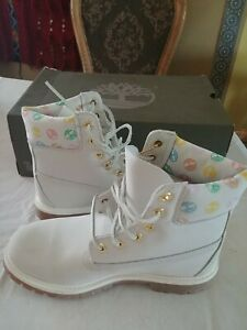 """Timberland Womens 6"""" Inch Boots White Grey Pink TB0A1QOG. New others. NO BOX"""