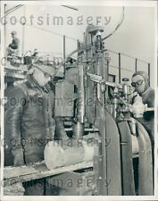 1940 Workers Remove Knots From Pulpwood Southland Plant Lufkin TX Press Photo