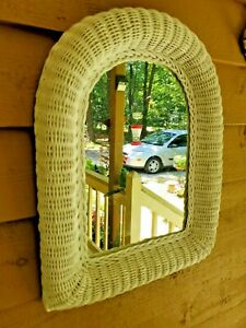SHABBY CHIC LARGE VINTAGE 26 X 18 WHITE WICKER ARCHED WALL MOUNT ART DECO MIRROR