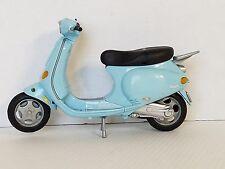 Barbie My Scene Scooter Moped Vespa Plaggio 2002 Blue