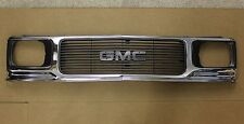 GMC Front Grille Chrome & Gray OEM GM Pickup Truck S15 Jimmy Syclone Typhoon NOS