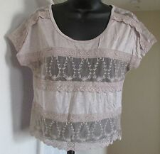 NEW THREADS SIZE X-SMALL TAUPE LACE DETAIL SHOULDER & TRIM SHORT SLEEVE TOP