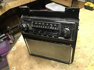 aston martin DB4 Radio With Console & Speaker