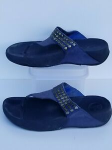 Women's navy FitFlop Brand Sandals - Size 8.5