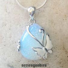 bijoux pierres fines naturelles Pendentif Papillon en Opalite