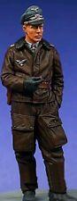 1/35 Scale Unpainted Resin Figures Kit WWII German Luftwaffe Officer (1 Figure)