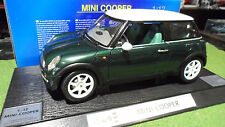 MINI COOPER Vert Left Hand Driven au 1/12 REVELL 08450 voiture miniature