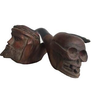 Lot de 2 pipes vanité tête de mort et jésus cabinet curiosité art populaire