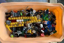 Lot de pièces LEGO et minifigs
