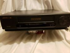 Signature 2000 JSJ 20203 VCR Video Cassette Recorder VHS Player  ,with movies.