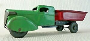 Vintage 1930's WYANDOTTE Red/Green Pressed Steel Toy Dump Truck