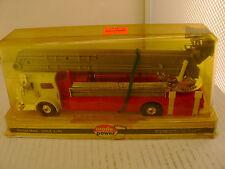 MODEL POWER PLAYART 1:48 RED W/WHITE AMERICAN LA FRANCE BUCKET FIRE ENGINE TRUCK