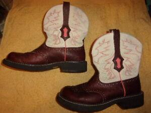 Ariat  WESTERN COWBOY Boots WOMEN'S SIZE: 10 B