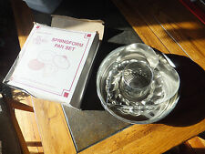 New in Box The Pampered Chef Springform Pan Set New in Box With Heart Insert