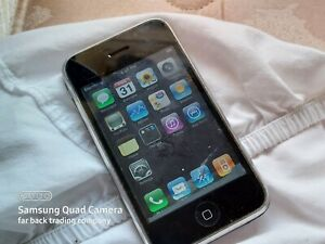 Collectible 2nd Generation 8GB iPhone A1241 Broken Home Button