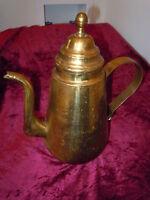 ANTIQUE OLD LARGE SPOUT BRASS TEA COFFEE KETTLE POT URN VINTAGE SIGNED VABELUX