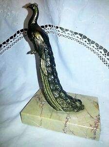 Press book : Statue of a superb PEACOCK in regule (Sort of Bronze)