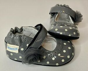 Robeez Baby Girl Dress Shoes Gray White Polka Dots 3-6 Months Shiny Flower