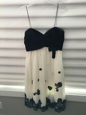 Eliza J Dress (M) Black Sweetheart Top and White with Black Applique bottom
