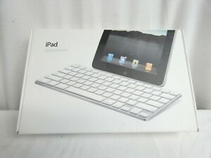Apple Keyboard Dock A1359 for iPad 32 Pin connector boxed silver white