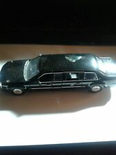 Luxury Die Cast 1/43 2009 Presidential Limo Limousine/Collectiable/Needs TLC.