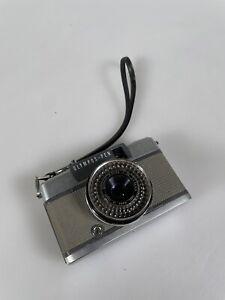 Olympus Pen EES-2 Half Flame Film Camera w/ F-Zuiko 30mm F/2.8