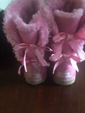 ugg boots pink with double ribbon bows  sz 9