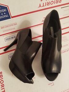 $395 Vera Wang Lavender 9.5M Black Leather Peep Toe Platform Heel Booties Italy