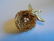 Vintage JEANNE Gold Tone Wire Bird Nest W/Faux Pearl Eggs & Mother Bird, 1 3/8""