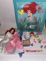 Vtg TYCO Disney 1991 ARIEL THE LITTLE MERMAID DOLL CASE Wedding Accessories +