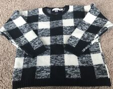 Gap Clothing Co 100% Wool Sweater Black And White