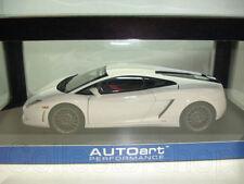 Autoart : Lamborghini Gallardo LP550-2 Balboni White 74635