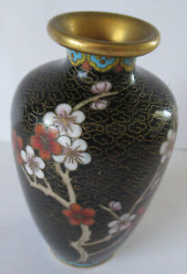 CLOISONNE VASE 10CM IN HEIGHT.