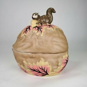 Ceramic Walnut Nut Bowl with Lid & Squirrel Handle with Painted Oak Leaves & Nut