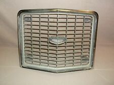 1972 MERCURY MONTEGO GT MX BROUGHAM CENTER GRILLE, GOOD CONDITION, NR