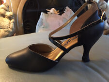 New Capezio Ballroom Dance Shoes Size 9W (Black Leather)