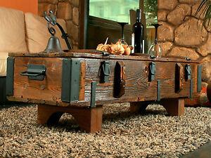 table basse coffre de voyage en bois ancien table basse de campagne