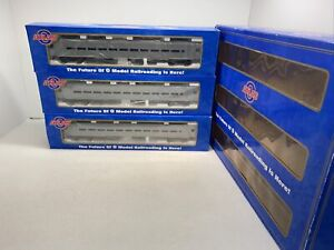 Atlas O #6211 Undecorated  3-Pack Comet II Commuter Cars O Gauge 3 Rail New