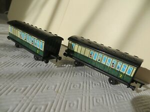 ERTL Vintage Thomas The Tank Engine & Friends two Old Time Coaches 2001 plastic