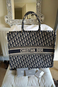 Authentic Christian DIOR Book Tote Bag in Navy Oblique Canvas