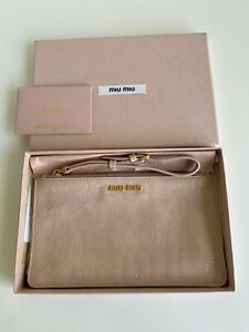 MIU MIU LEATHER CLUTCH IN NUDE / PINK CROCO-PRINT RRP$290 EXCELLENT CONDITION