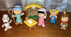 PEANUTS Charlie Brown Deluxe Nativity Set Christmas Pageant Snoopy VGUC!