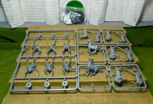 RIDERS OF ROHAN - Lord Of The Rings Plastic Figure(s)