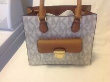 Michael Kors Messanger Handbag Vanilla/Acorn  NWT Beautiful